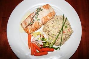 Salmon con Quinoa Risotto
